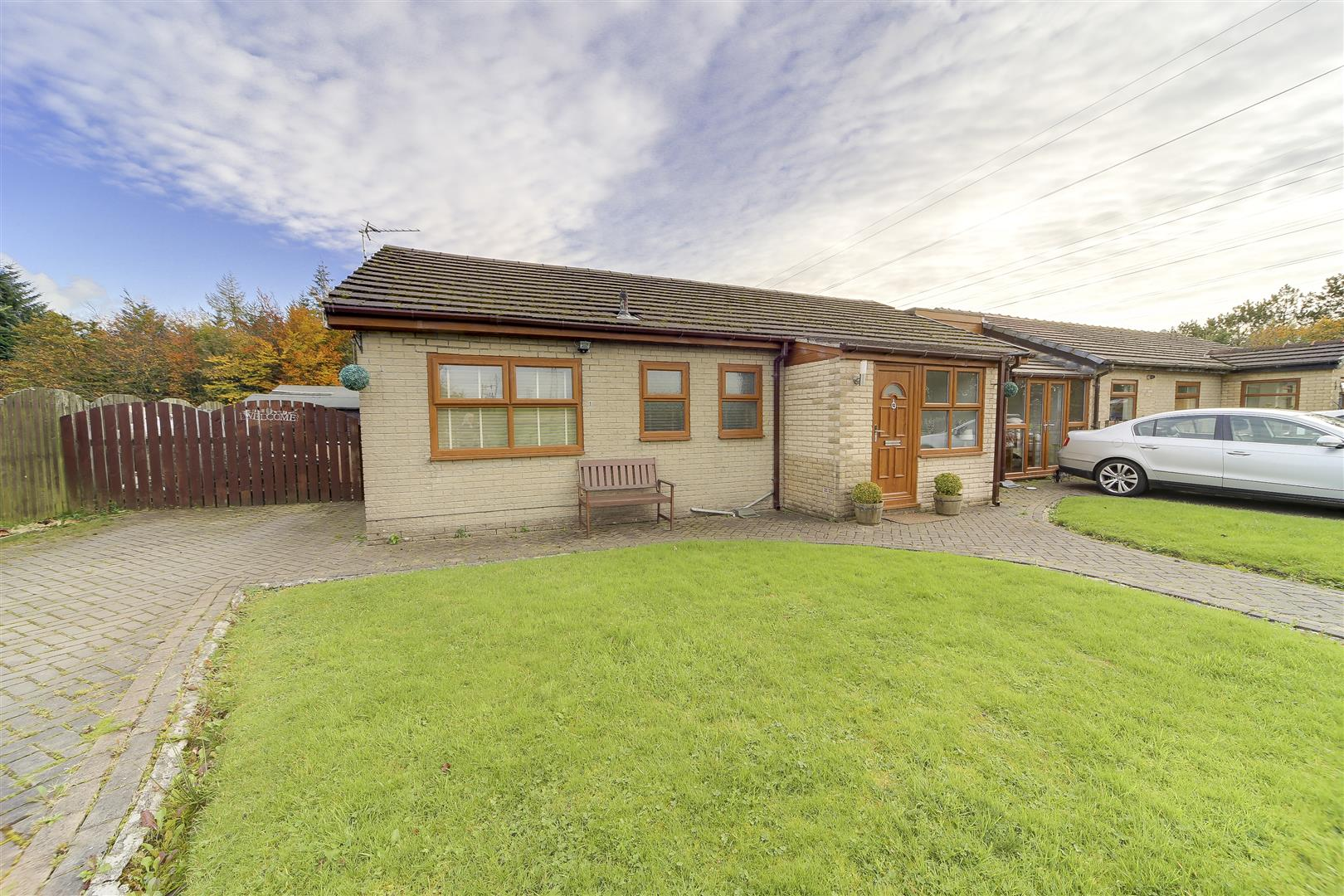 4 Bedrooms Semi Detached Bungalow for sale in Clough Bottom, Burnley Road East, Rossendale